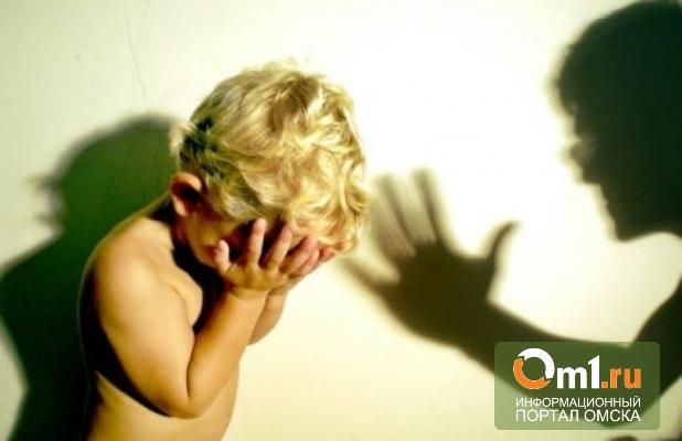 Пьяный омич поссорился с женой и избил троих детей