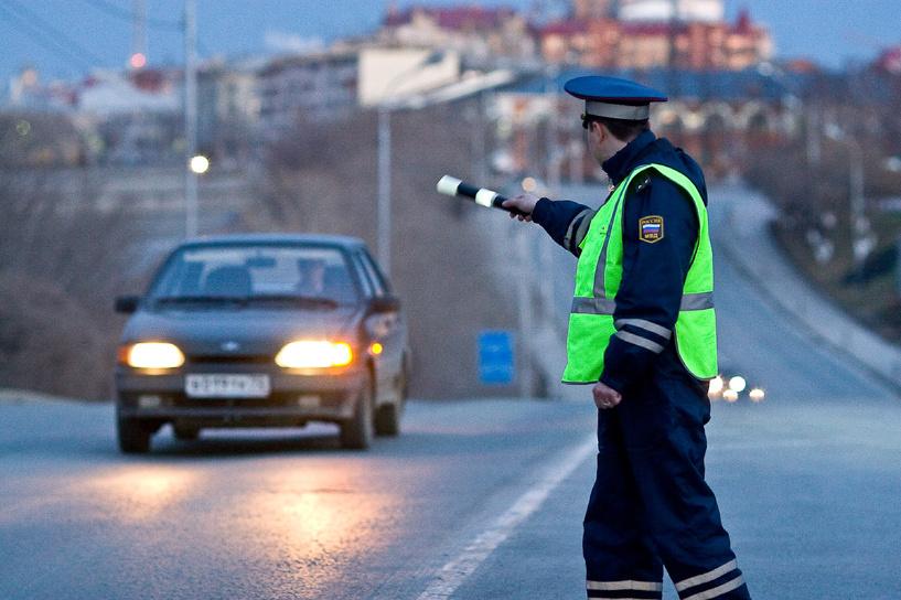 Под Омском задержан водитель с поддельными правами