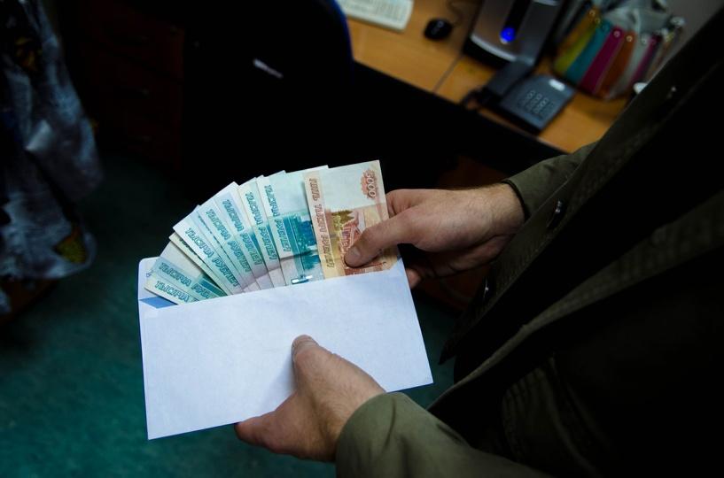 Омского чиновника-взяточника приговорили к штрафу в 1 млн рублей