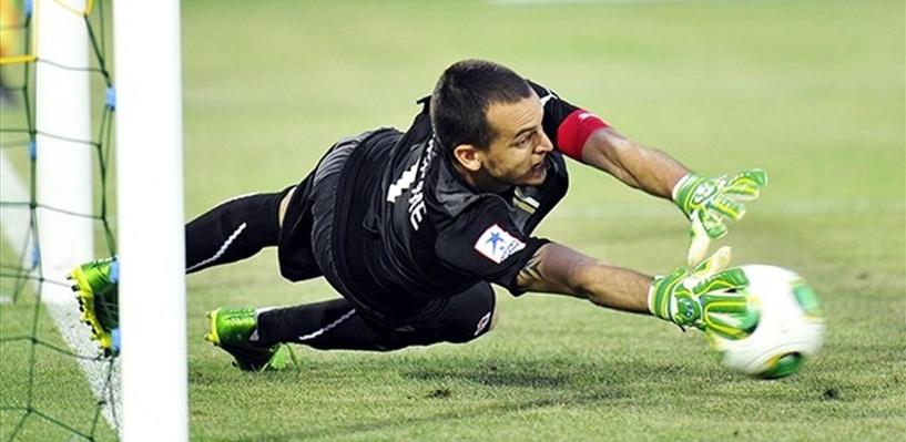 В сборную России по футболу впервые вызван бразильский вратарь