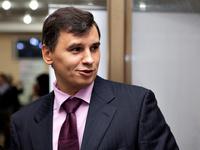 Уличенный в мошенничестве замглавы Росреестра сбежал с секретами за границу
