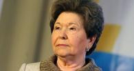 «Не думала, что он так легко отречется от Бориса»: Наина Ельцина ответила Никите Михалкову