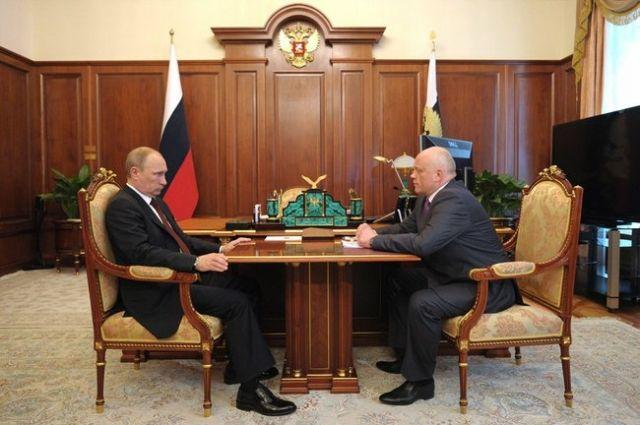 Путин может отправить губернатора Омской области в отставку