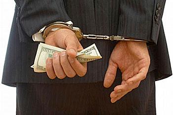 Омский перевозчик подделал документы и набрал 200 кредитов на 228 млн рублей
