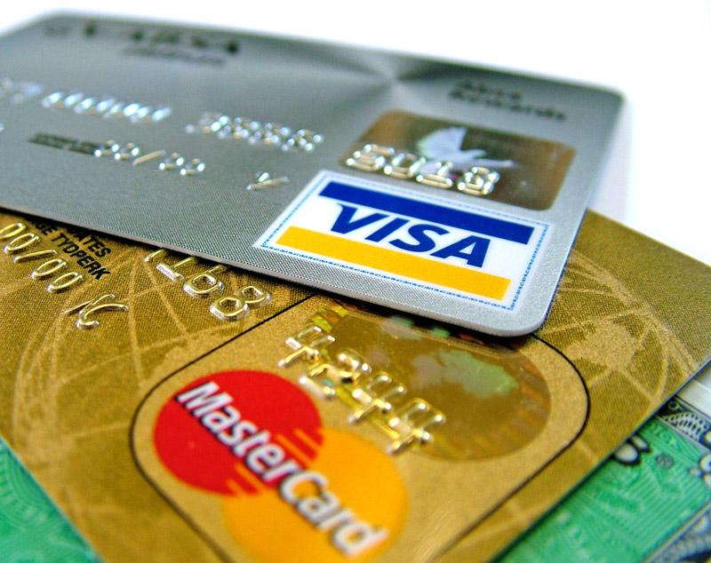 ЦБ: При работе с VISA и MasterCard у россиян могут возникнуть сбои