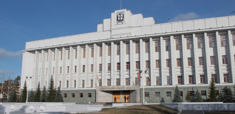 Назаров отобрал у омских чиновников служебные машины