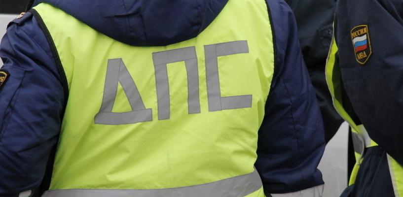 ГИБДД проверит: в Омске сотрудники ДПС разъезжают по тротуарам