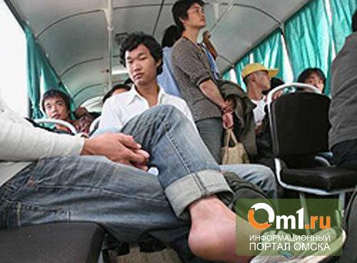 После «зачистки» «Торгового города» в Омске поймали почти сотню нелегалов