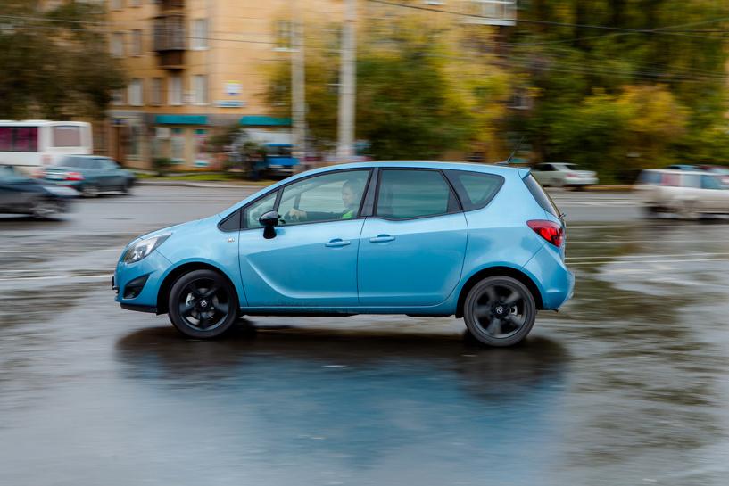 С широко распахнутыми: тест-драйв Opel Meriva