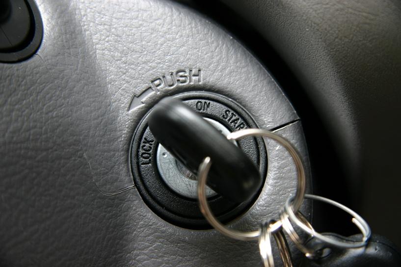 Пьяный омич втихаря забрал у знакомой ключи от машины и устроил ДТП