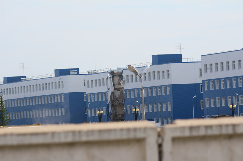 Девять десантников, пострадавших при обрушении казармы в Омске, выписаны из госпиталей