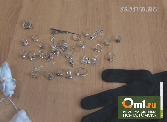 Омские оперативники сидели в засаде две недели, чтобы поймать грабителей ломбарда