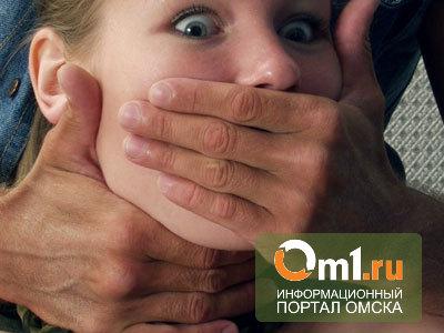 В Омской области отец, топивший в тазу свою дочь, изнасиловал соседку