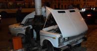 В Омске молодой водитель «шестерки» врезался в столб
