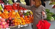 В Омске подскочили цены на морковь, свиные консервы и черный чай