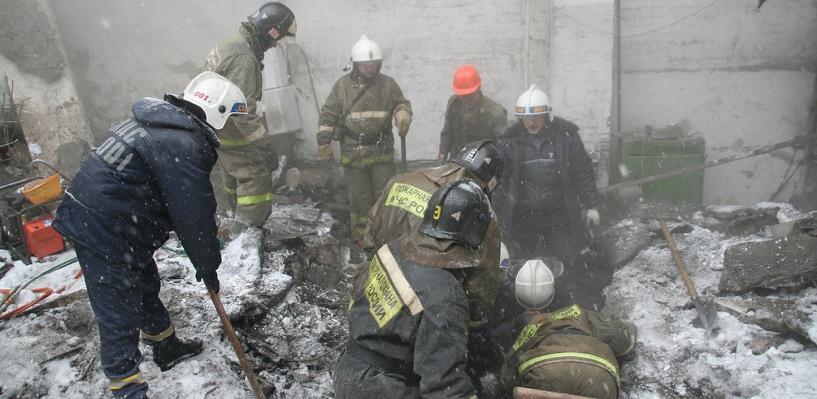 В Омске обрушилась крыша промышленного цеха в Нефтяниках