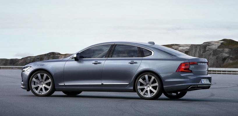 Всего-то 9 лет спустя: Volvo показала новый флагманский седан —S90