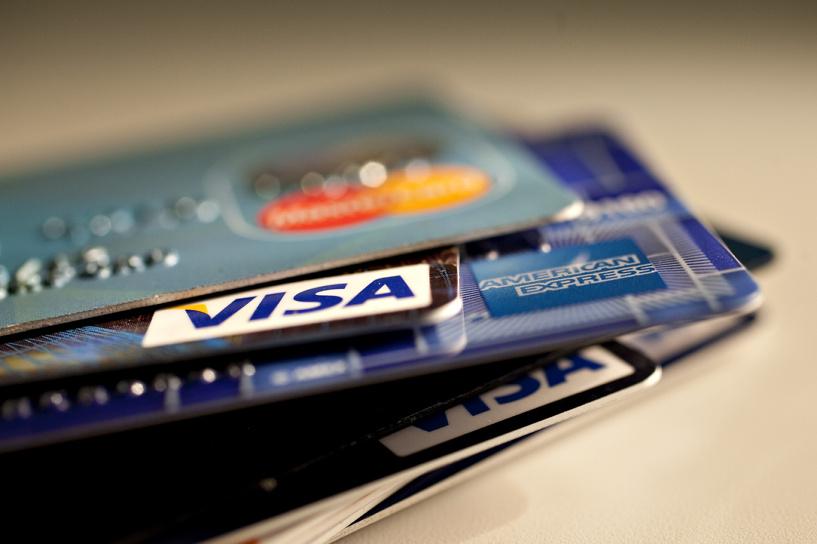 Исполняя санкции: Visa и MasterCard отключили российские банки в Крыму