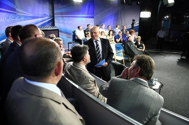 На экраны телевизоров в Омске может вернуться «Диалог с губернатором»