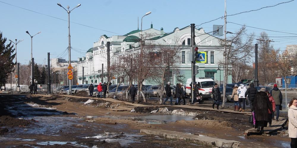 Осталось меньше половины срока: репортаж с реконструкции Любинского проспекта