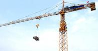 В Омске машинисты башенных кранов протыкали шилом воздушные шары
