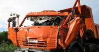 Под Омском водитель китайского авто погиб в столкновении с КамАЗом