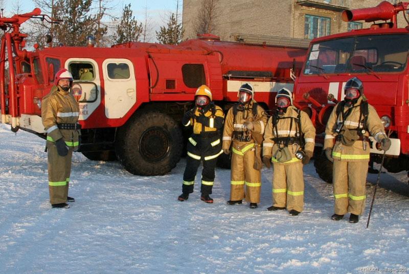 В Омском районе из горящего дома спасли больше 20 человек