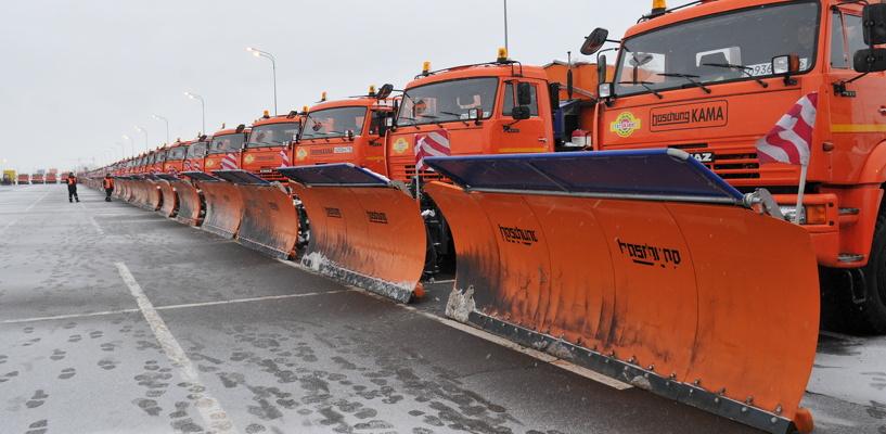 Мэрия: ночью в Омске снег убирало 117 единиц техники