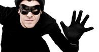 Участковый из Омской области поймал вора, который пропил все украденные деньги