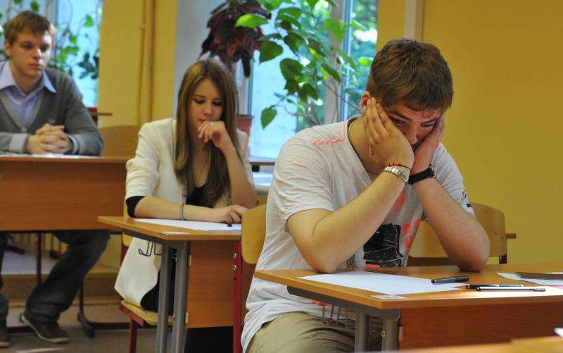 ЕГЭ по географии и литературе будут сдавать больше 900 омских школьников