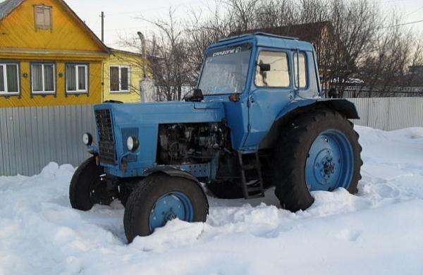 В Омской области ребенка переехал трактор