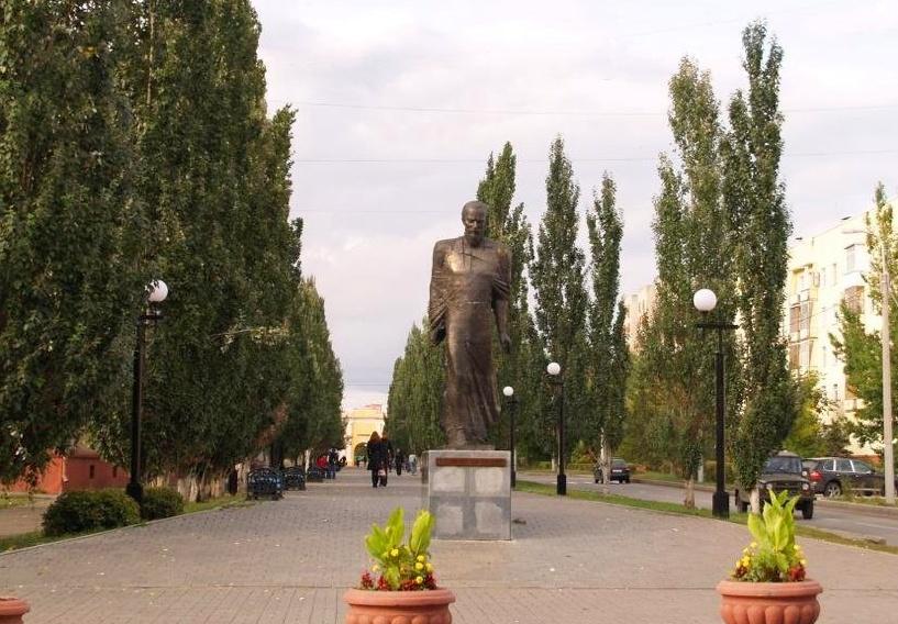 У Тарских ворот аэрозольным баллончиком отметили вехи жизни Достоевского в Омске