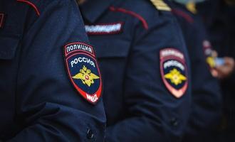 В Омской области в Калачинске 60 полицейских устроили массовую драку