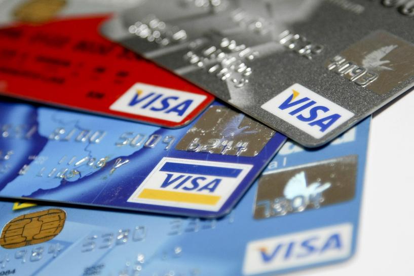 Карты принимают не везде: Visa не до конца перешла в НСПК