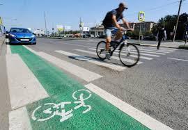 В Омске ко Дню города откроются четыре велодорожки и минипарк