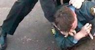 В Омской области опять избили полицейского