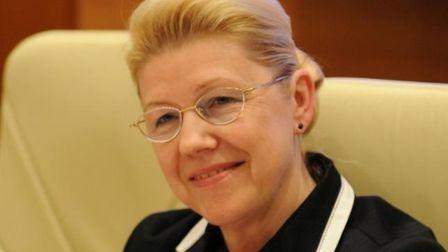 Депутат от Омской области Елена Мизулина ввязалась в борьбу с гей-активистами