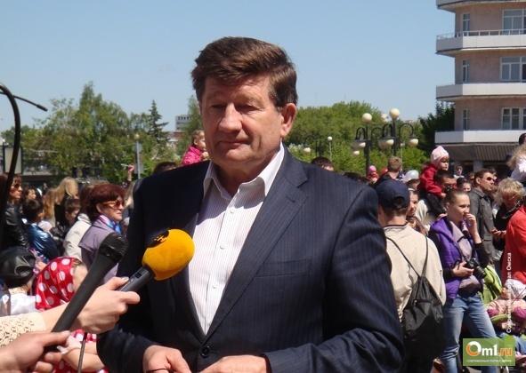 Мэр Омска поздравил социальных работников с праздником