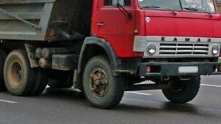В Омской области из-за столкновения с «КамАЗом» погиб водитель «Тойоты»
