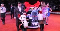 «АВЕСТА-РИЭЛТ» подарила автомобиль многодетной матери