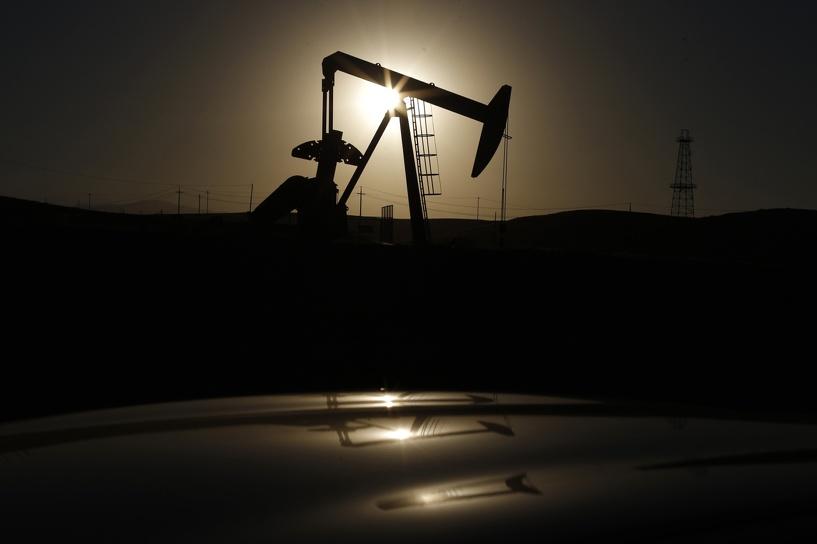 Чуть-чуть подорожала: стоимость нефти Brent поднялась выше 51 доллара