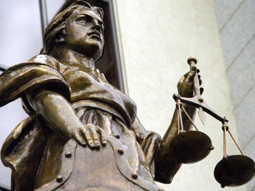За крупную взятку экс-чиновника приговорили к колонии