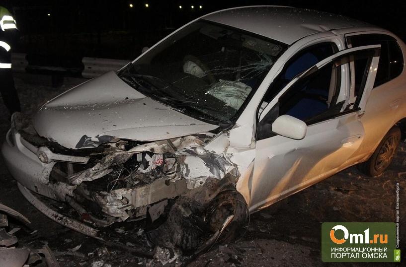 В Омской области Toyota влетела под «Камаз»