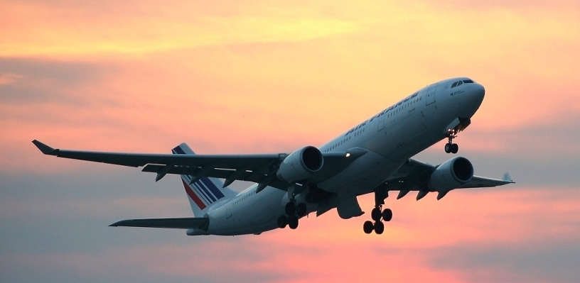 Несмотря на московскую непогоду, самолеты из столицы прилетают в Омск