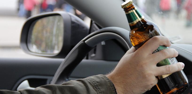 В Омске благодаря прохожим задержали опасного пьяного водителя