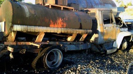 В Омской области на автозаправке загорелся бензовоз