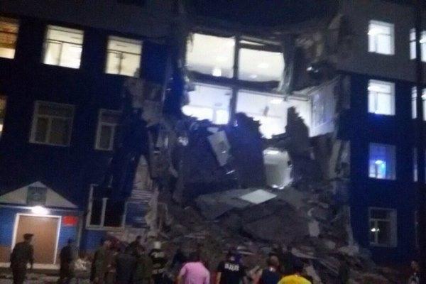 В Омске обрушилась казарма 242-го учебного центра ВДВ