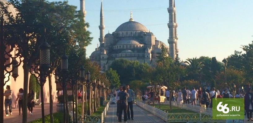 На центральной площади Стамбула произошел взрыв, погибли пять человек