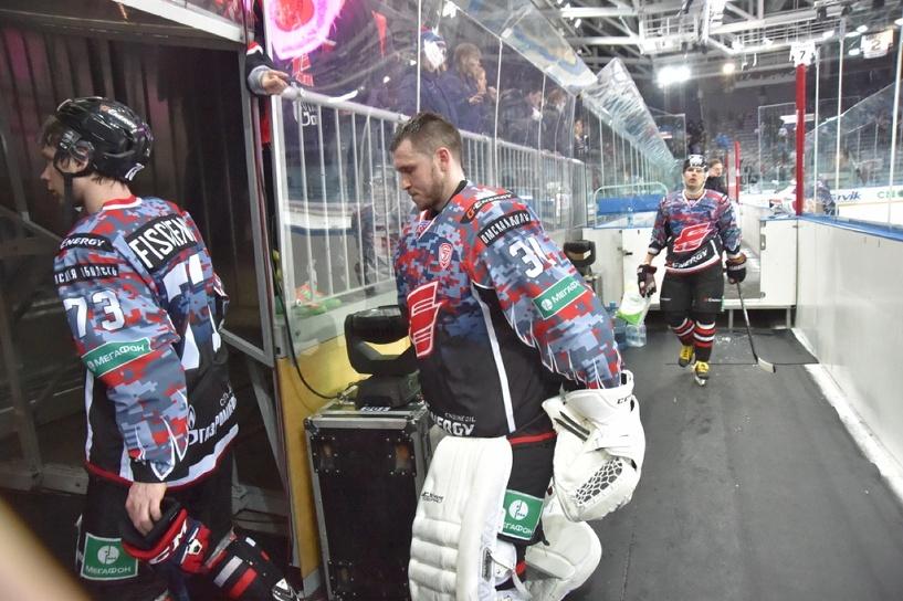 Хоккеисты «Авангарда» перед плей-офф сходят в церковь