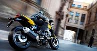 В Омской области пьяный мотоциклист уронил 16-летнего пассажира на дорогу